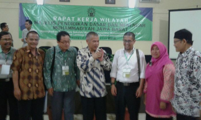 Bersama Dr Asep Kadisdik Jabar