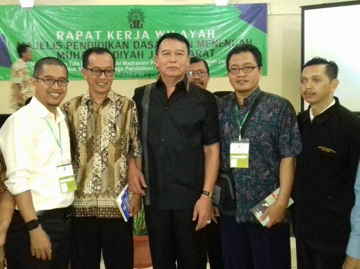 Bersama Mayjen Dr TB Hasanuddin
