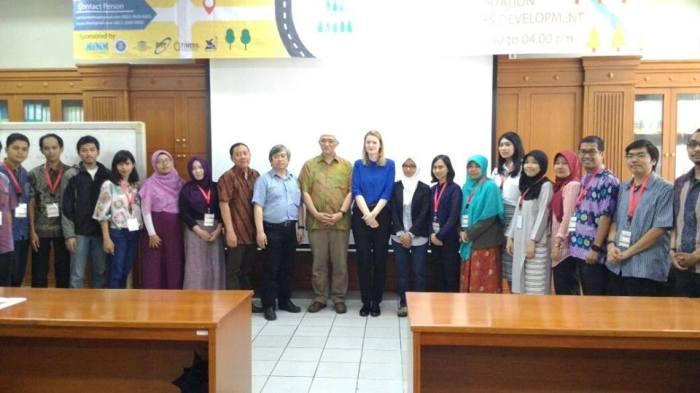 photo-bersama-dr-ivana